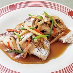 鯛の中華風蒸し・野菜あんかけ