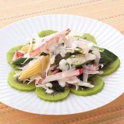 キウイと夏野菜のヨーグルトサラダ