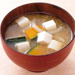 豆腐とかぼちゃのみそ汁