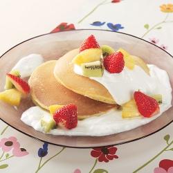 果実のヨーグルトパンケーキ