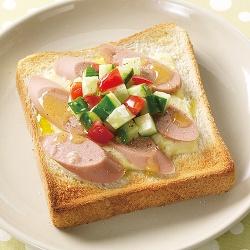 魚肉ソーセージトースト
