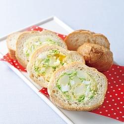 フランスパンのポテトサラダ詰め