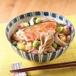 鮭の彩り炊き込みご飯